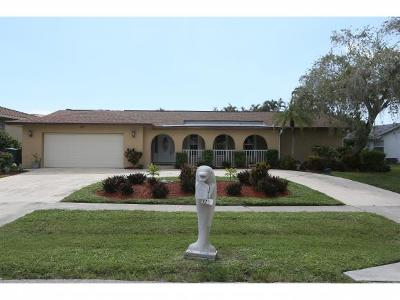 Marco Island Single Family Home For Sale: 318 Sand Hill St #8