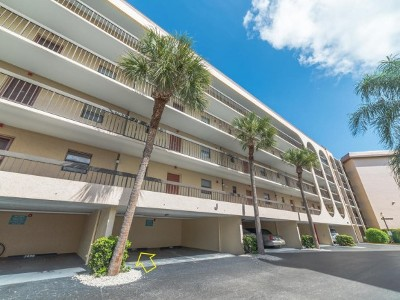 Marco Island Condo/Townhouse For Sale: 1007 Anglers Cv #203