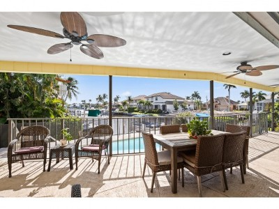 Marco Island Single Family Home For Sale: 95 N Barfield Dr #2