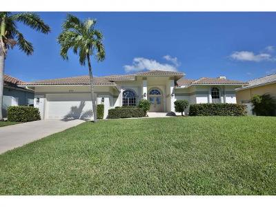 Marco Island Single Family Home For Sale: 1100 Cara Ct #7