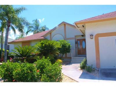 Marco Island Single Family Home For Sale: 475 N Collier Blvd #6