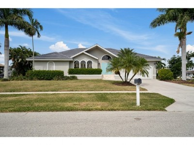 Marco Island Single Family Home For Sale: 1181 Marlin Ct #10