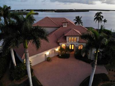Marco Island Single Family Home For Sale: 1015 Caxambas Dr #13
