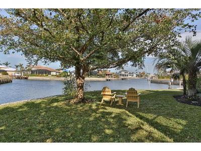 Marco Island Single Family Home For Sale: 1040 Cottonwood Ct #6