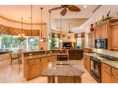 Naples Single Family Home For Sale: 7667 Mulberry Ln