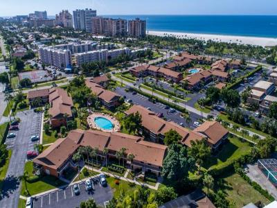 Mariner Apts Marco Island Condo/Townhouse For Sale: 58 Manor Ter #202