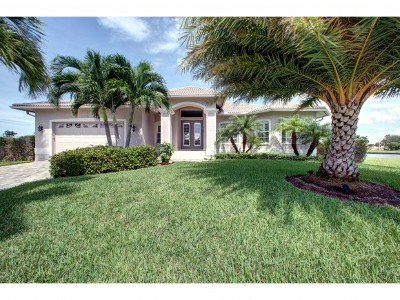 Marco Island Single Family Home For Sale: 1178 Breakwater Ct #7