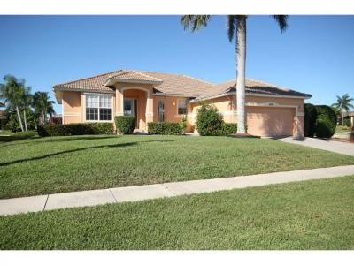 Marco Island Single Family Home For Sale: 1058 Goldenrod Ave #6