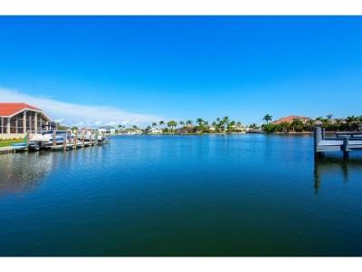 Marco Island Single Family Home For Sale: 1672 Villa Ct #8