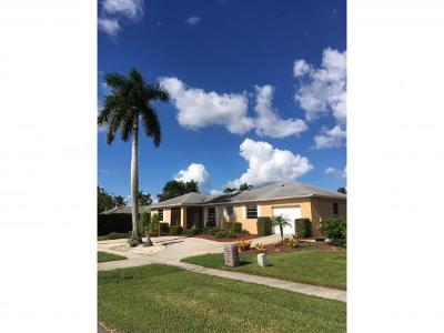 Marco Island Single Family Home For Sale: 811 Apple Ct #4