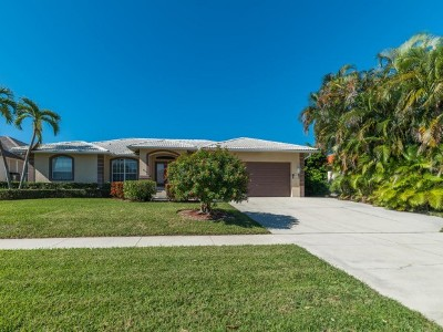 Marco Island Single Family Home For Sale: 680 Wren St #10