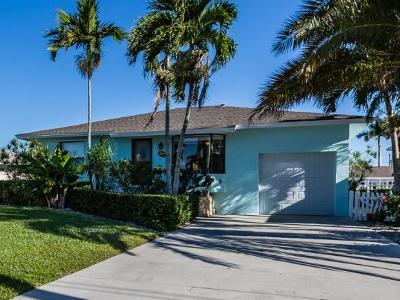 Naples Single Family Home For Sale: 127 San Salvador St