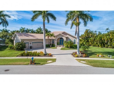 Marco Island Single Family Home For Sale: 930 E Inlet Dr #13