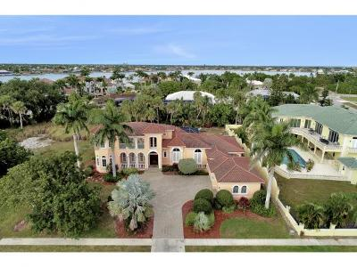 Marco Island Single Family Home For Sale: 1570 Doxsee Ter #13