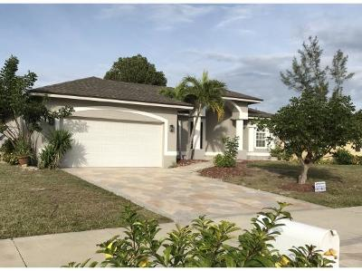 Marco Island Single Family Home For Sale: 108 Greenview St #2
