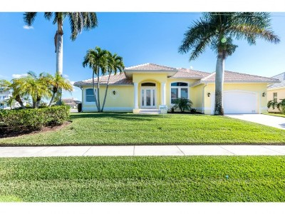 Marco Island Single Family Home For Sale: 119 Gulfport Ct #3