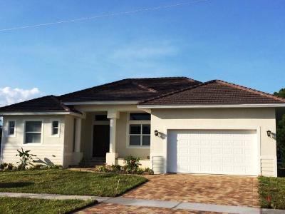 Marco Island Single Family Home For Sale: 72 Tahiti Rd #3