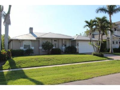 Marco Island Single Family Home For Sale: 151 Bonita Ct #6