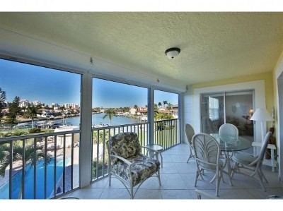 Marco Island Condo/Townhouse For Sale: 1011 Swallow Ave #406