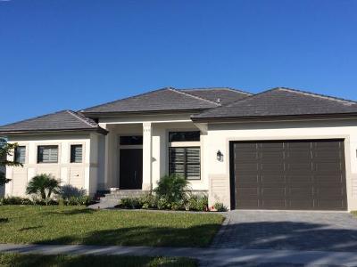 Marco Island Single Family Home For Sale: 230 Bermuda Rd #1