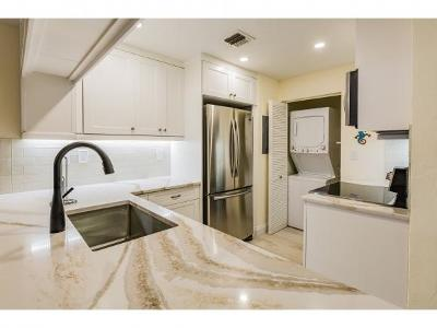 Mariner Apts Marco Island Condo/Townhouse For Sale: 17 N Collier Blvd #107