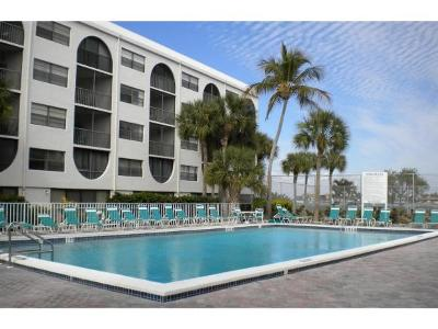 Marco Island Condo/Townhouse For Sale: 1027 Anglers Cv #404