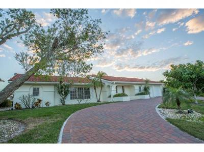Marco Island Single Family Home For Sale: 276 Grapewood Ct #2