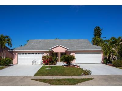 Lely Country Club Tanglewood 1 Single Family Home For Sale: 575 Saint Andrews Blvd