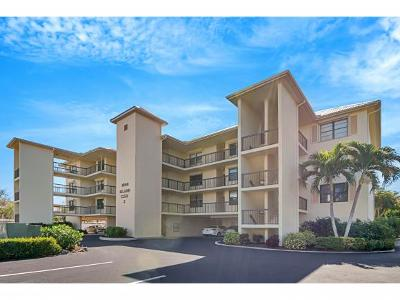 Marco Island Condo/Townhouse For Sale: 1000 Swallow Ave #2