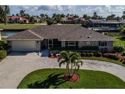 Marco Island Single Family Home For Sale: 213 Windbrook Ct #2
