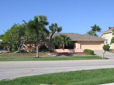 Marco Island Single Family Home For Sale: 620 N Barfield Dr #1