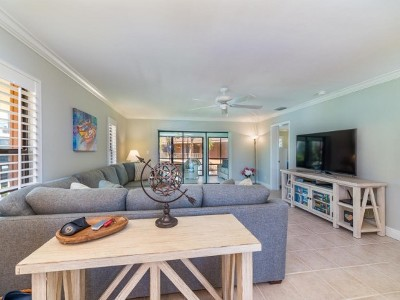 Marco Island Condo/Townhouse For Sale: 900 Huron Ct #3