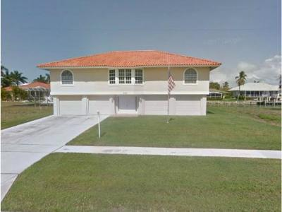 Marco Island Single Family Home For Sale: 675 Pelican Ct #10