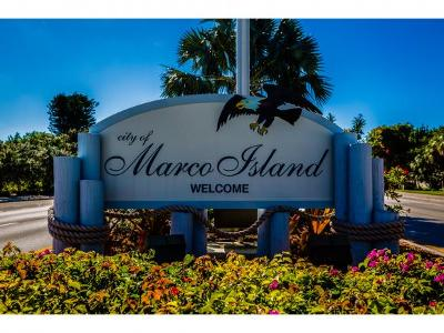 Marco Island Condo/Townhouse For Sale: 651 Seaview Ct #B 304