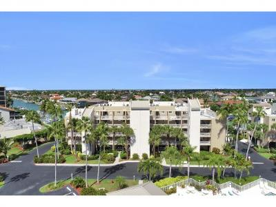 Marco Island Condo/Townhouse For Sale: 889 Collier Ct #403