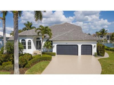 Marco Island Single Family Home For Sale: 889 Swan Dr #10