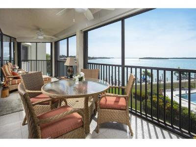Marco Island Condo/Townhouse For Sale: 929 Collier Ct #304