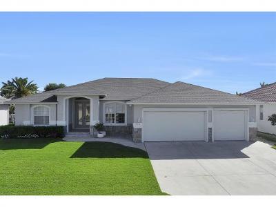 Marco Island Single Family Home For Sale: 235 Seminole Ct #3