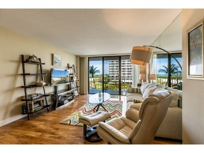 Marco Island Condo/Townhouse For Sale: 260 Seaview Ct #410