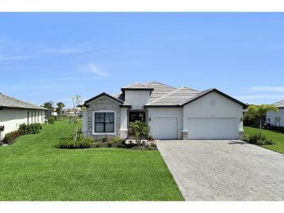 Naples Single Family Home For Sale: 2071 Antigua Ln