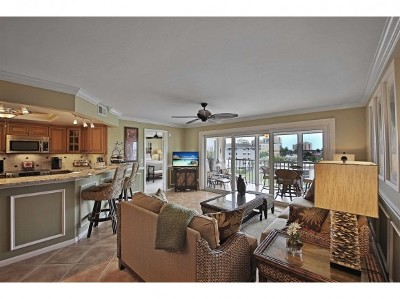 Marco Island Condo/Townhouse For Sale: 900 Collier Ct #405