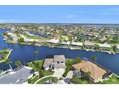 Marco Island Single Family Home For Sale: 198 Leeward Ct #4