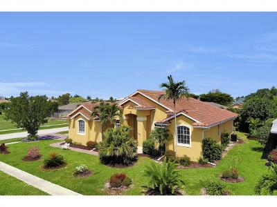 Marco Island Single Family Home For Sale: 1286 Bayport Ave #1