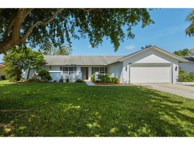 Naples Single Family Home For Sale: 118 Debron Dr #5