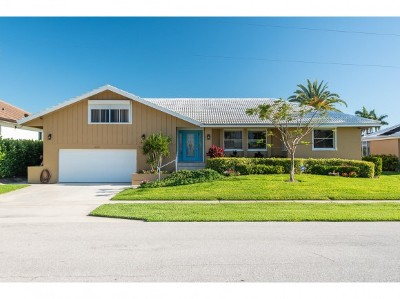 Marco Island Single Family Home For Sale: 841 Magnolia Ct #11