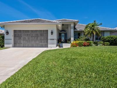 Marco Island Single Family Home For Sale: 1526 Buccaneer Ct #3
