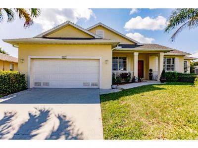 Marco Island Single Family Home For Sale: 1813 Bahama Ave #2