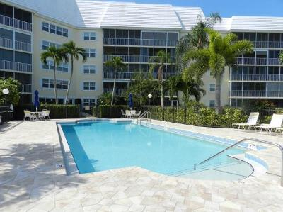 Marco Island Condo/Townhouse For Sale: 1011 Swallow Ave #105