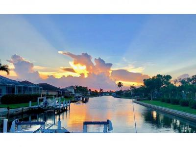 Marco Island Single Family Home For Sale: 400 S Barfield Dr #5