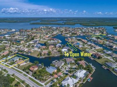 Marco Island Single Family Home For Sale: 205 N Barfield Dr #2